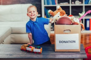 Auburn Savings Kids donate